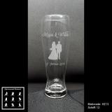 Weizenbierglas - Hochzeitspaar - mit Motivauswahl und individueller Gravur / Namen und Datum